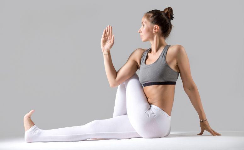 8 posições de Yoga para aliviar a dor ciática de forma