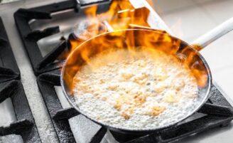 6 formas de limpar uma panela queimada sem muito esforço