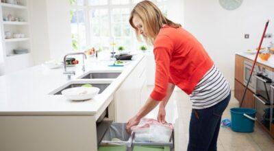 5 boas razões para não ter uma lixeira embutida no armário da cozinha