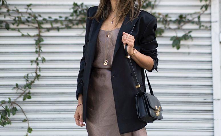 ff435c219 Confira dicas de looks com o blazer preto em diferentes situações do dia a  dia e inspire-se!