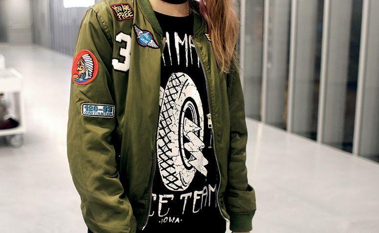 6975ec750 Jaqueta bomber: como adicionar a peça nos seus looks. Saiba como usar a  jaqueta queridinha do mundo fashion e adicione estilo nas suas produções