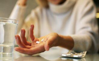 10 tipos de medicamentos que fazem você ganhar peso sem saber
