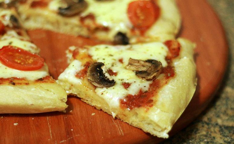 massa de pizza fina simples