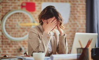 Síndrome do impostor: saiba se você sofre desse problema e como lidar com ele