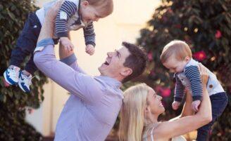 """Marido aceita desafio de se sentir """"grávido"""" e desiste em menos de 5 minutos"""
