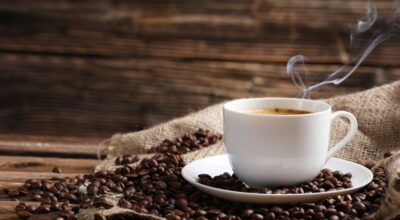 Beber 3 xícaras de café por dia pode te ajudar a viver mais