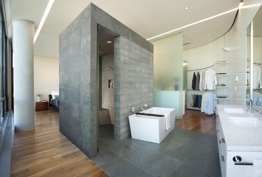 Closet com banheiro 50 inspira es para adotar essa integra o for Privacy solution between bedroom and bath
