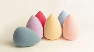 Conheça o truque para limpar esponja de maquiagem que viralizou na internet