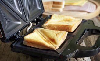8 melhores maneiras de limpar uma sanduicheira ou grill