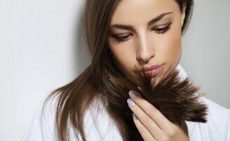 Corte bordado remove as pontas duplas sem alterar o comprimento dos cabelos