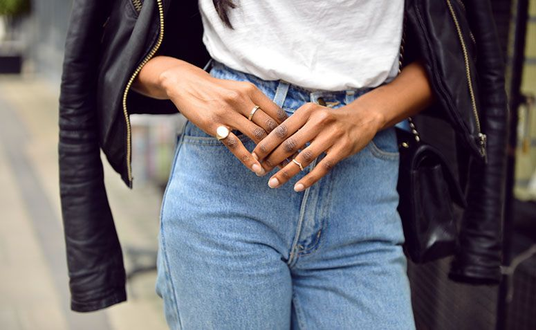 993667dcfed92 Mom jeans  aprenda a usar essa peça que une tendência e conforto