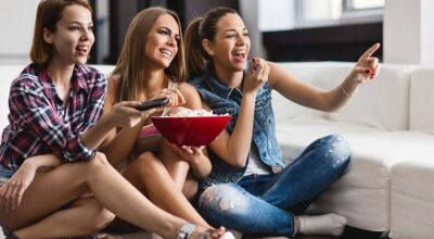 7 séries de comédia para você assistir e rir muito