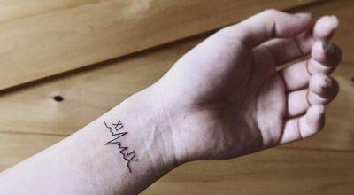 50 tatuagens de batimentos cardíacos para te inspirar a demonstrar seu amor