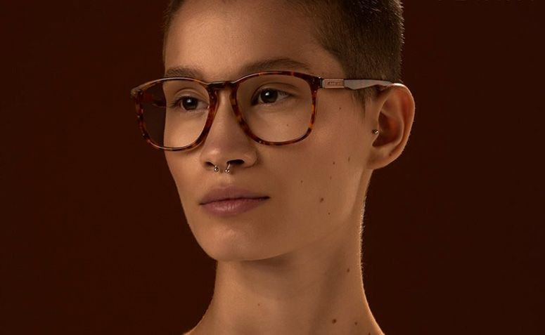 1002966f3 11 marcas de óculos para quem procura uma armação estilosa