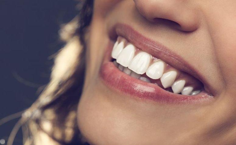 Como Clarear Os Dentes Em Casa 7 Metodos Caseiros Eficazes
