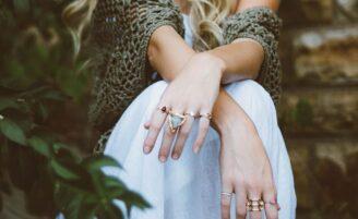 Como limpar bijuterias e dicas para preservá-las por mais tempo