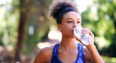 É seguro reutilizar a garrafinha descartável de água mineral?
