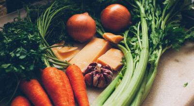 16 receitas de caldo de legumes caseiro para dizer adeus aos industrializados