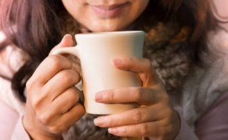 Chá para insônia: aprenda a fazer e tenha uma boa noite de sono
