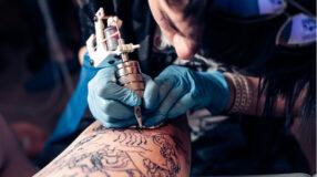 Como encontrar bons tatuadores: dicas para você não errar na escolha do profissional