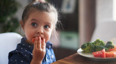 10 truques simples e eficazes para fazer seu filho comer legumes e verduras