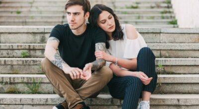 9 sinais de que seu parceiro pode estar com um pé fora da relação