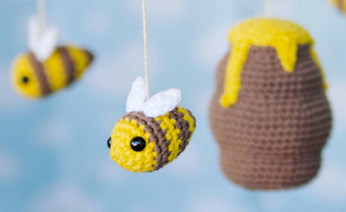 Little bee by mohu | Project | Crochet / Amigurumi | Kollabora | 738x1200