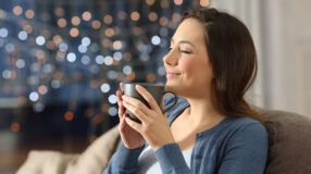 5 receitas de chás que vão te ajudar a relaxar e a dormir melhor