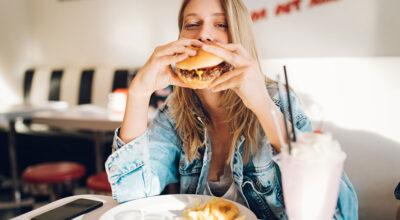 6 hábitos que são tão prejudiciais à saúde quanto fumar