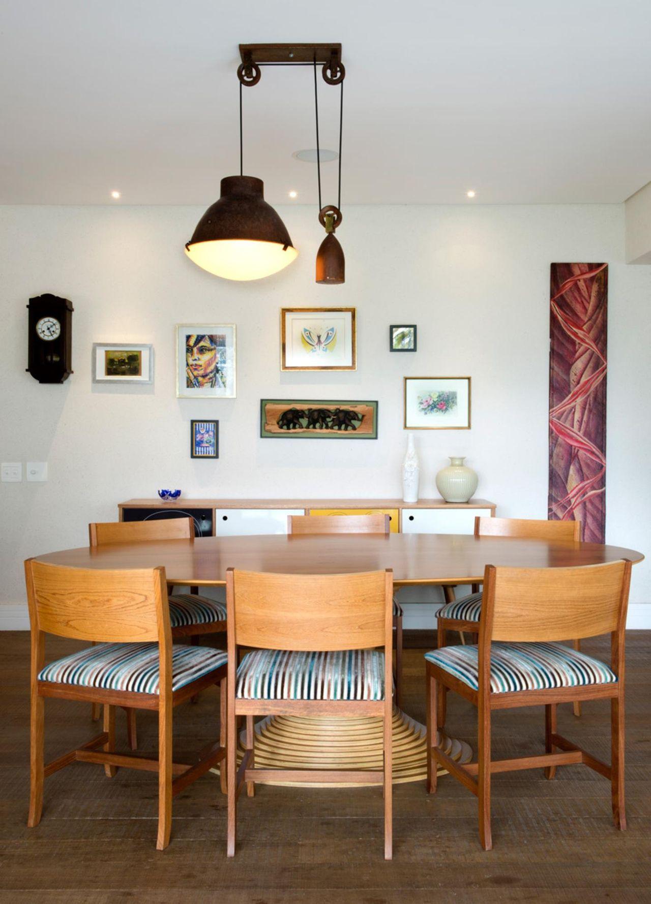 Como Escolher O Lustre Ideal Para A Sala Dicas E Inspira Es  -> Lustre Para Sala De Apartamento