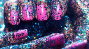 Unhas para o Carnaval: +70 inspirações para suas mãos entrarem na folia