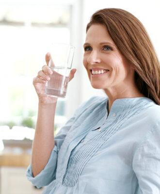 Isso é o que acontece com o seu corpo quando você bebe apenas água por 30 dias