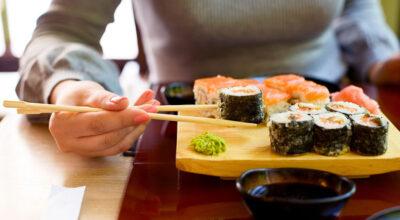 Grávidas podem comer sushi? Especialistas esclarecem