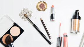 Kit básico de maquiagem: aprenda a montar o seu