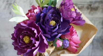 Flores de papel: 5 modelos passo a passo e lindas ideias para te inspirar