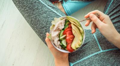 Como curar uma inflamação naturalmente? Veja o que comer e o que evitar