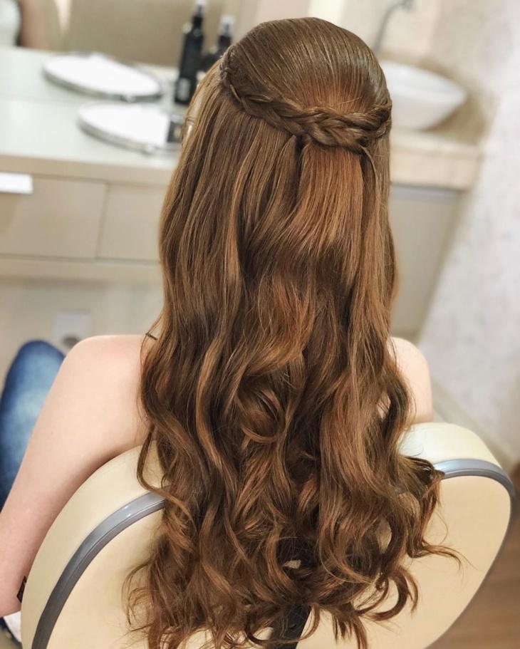 Penteados para formatura com trança coroa