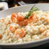 31 receitas de risoto de camarão para dar um quentinho no coração