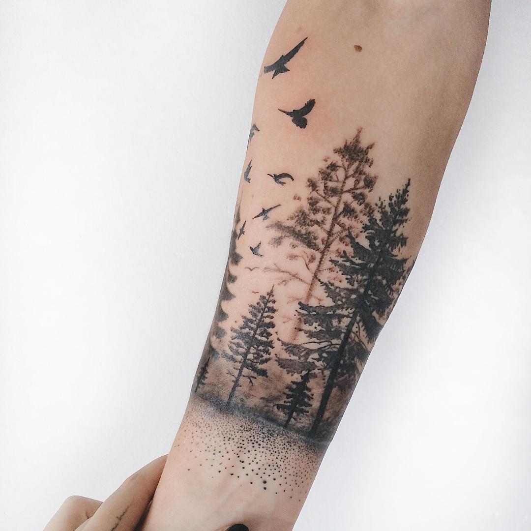 Tatuagens femininas com árvores