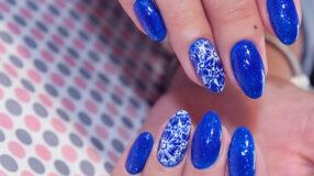 45 inspirações de unhas decoradas azuis que vão te encantar
