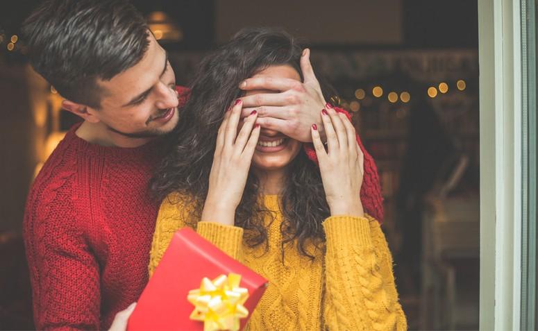 7b2eb3de95c Dia dos Namorados  dicas de presentes para eles e elas