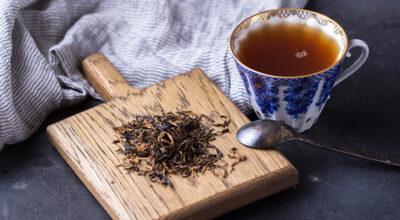 Chá preto: 9 benefícios que farão você se surpreender