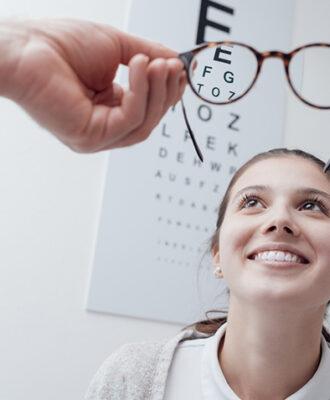 Miopia: conheça as causas, sintomas e tratamentos disponíveis