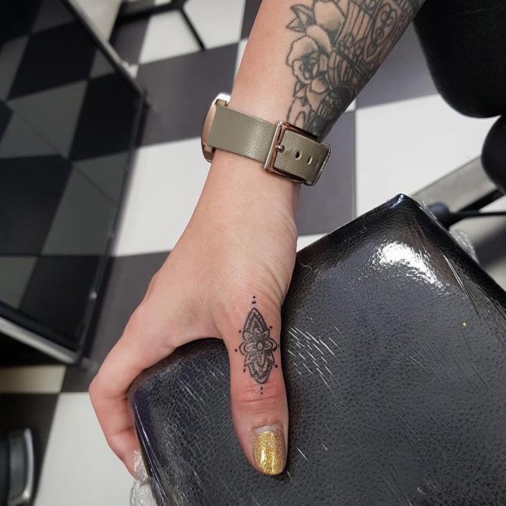 Tatuagem Na Mão 90 Ideias Incríveis Para Você Ousar Fotos