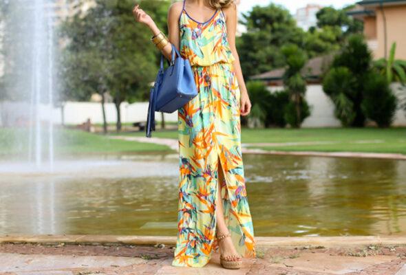 Vestido longo estampado: crie looks originais e despojados com a peça