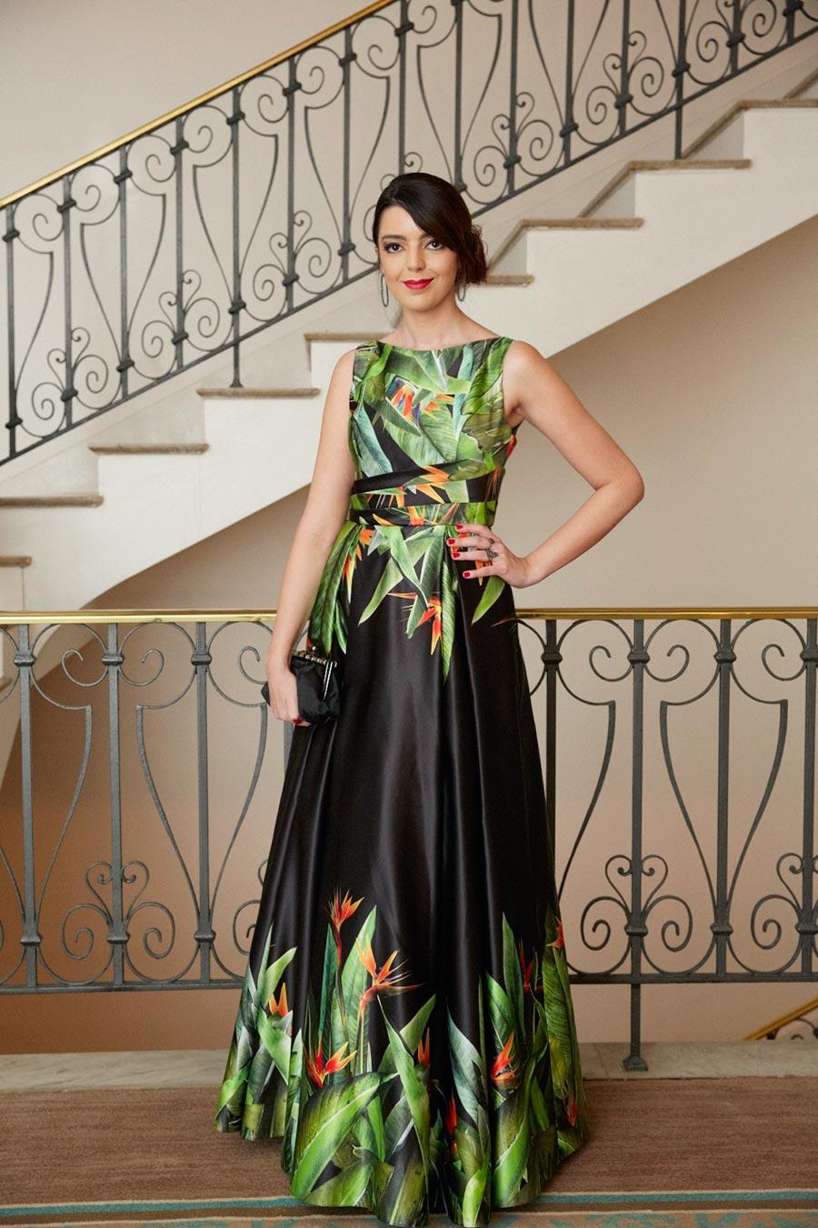 1ffc120756 Vestido longo estampado  crie looks originais e despojados com a peça