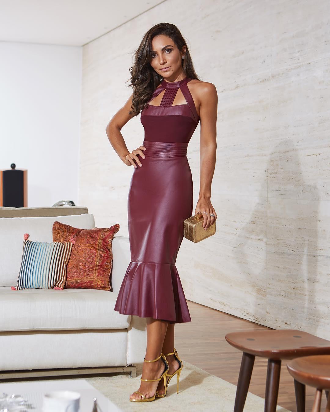 638d83708 Vestido marsala  70 modelos para você arrasar com a cor que é tendência