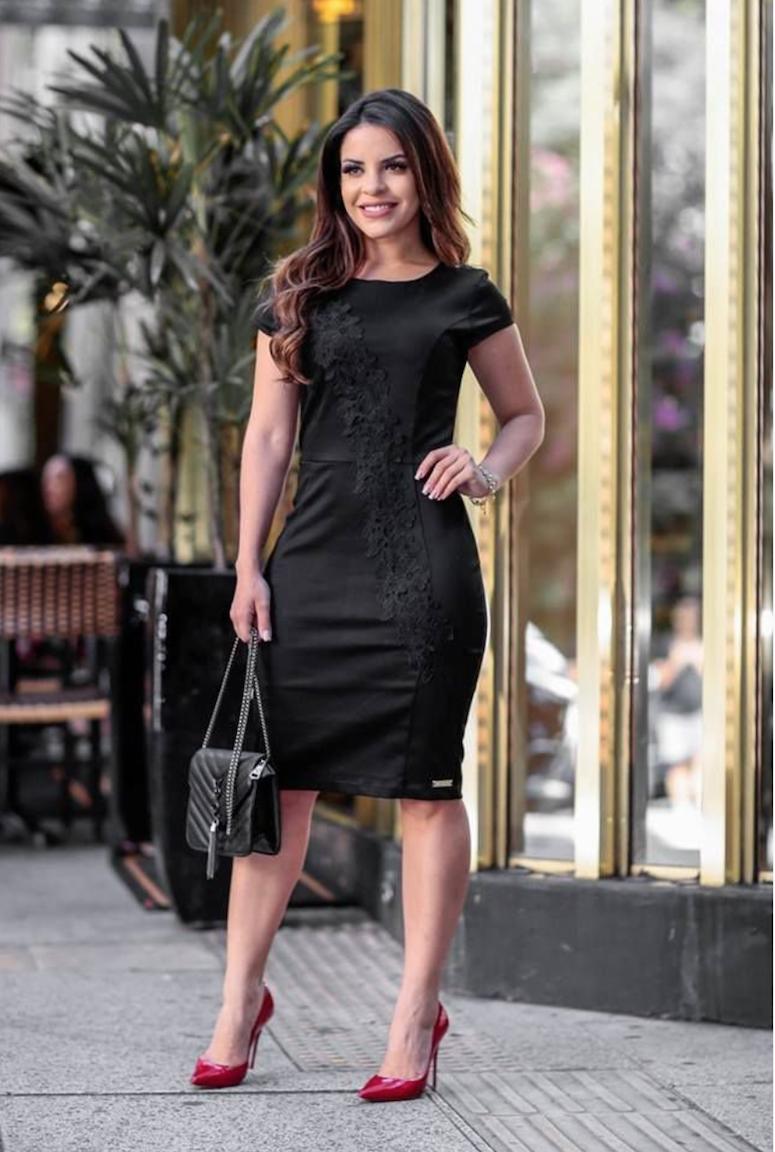 cded22b63 Vestido preto curto: 70 maneiras de incluir a peça em seu estilo