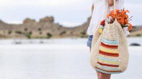 Bolsa de crochê: veja como incluir essa peça artesanal no seu estilo