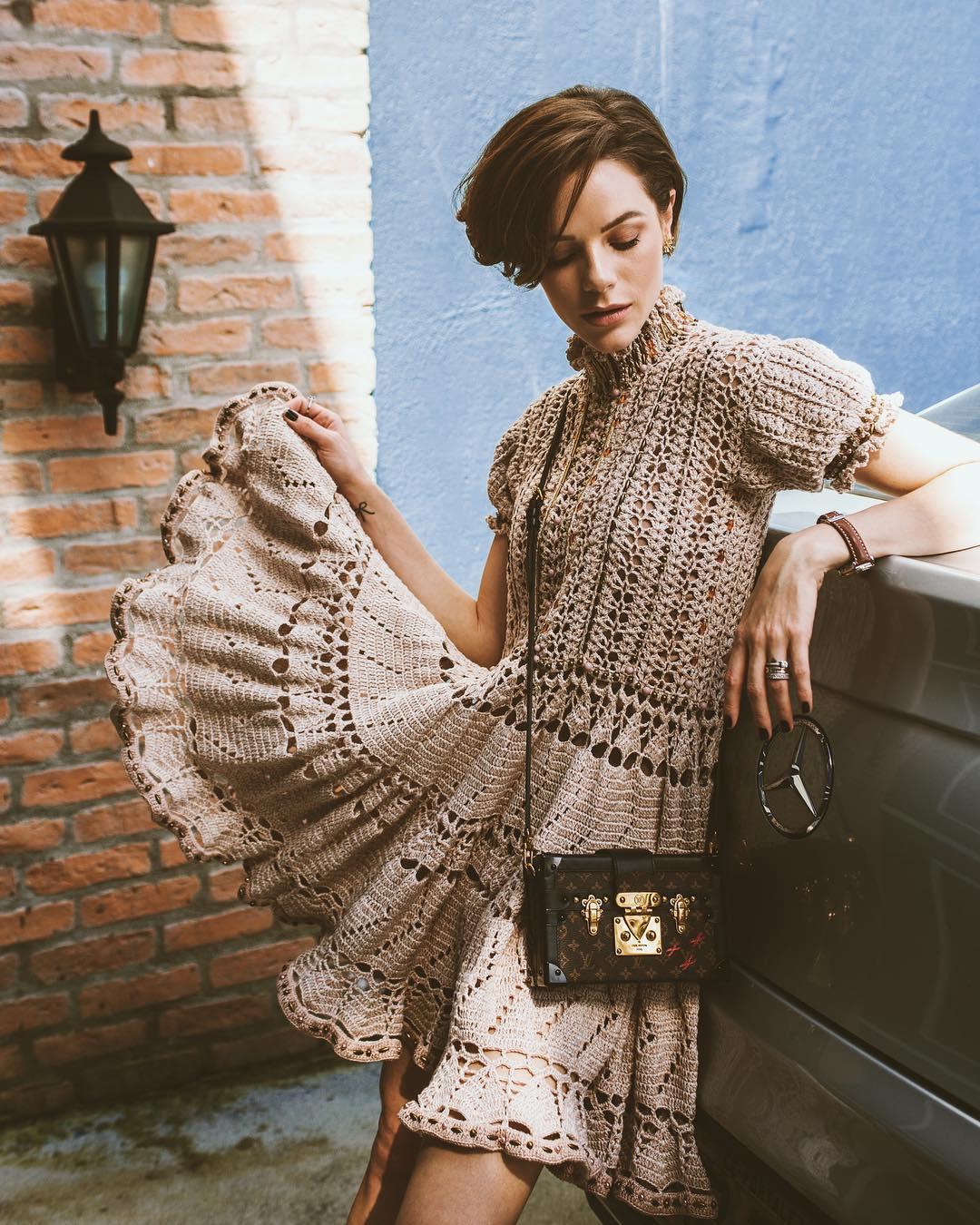 43a26cc532de Vestido de crochê: charme e delicadeza no look